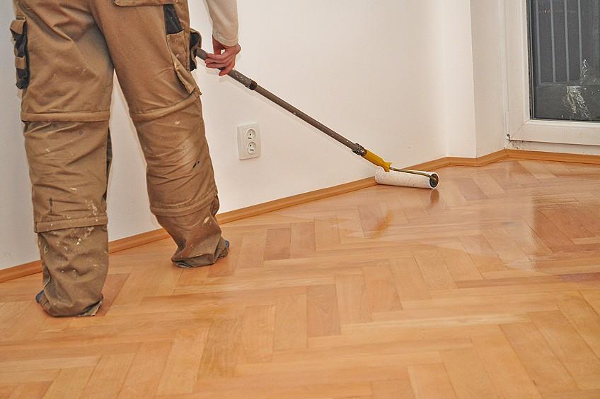 Apply Polyurethane to Floors