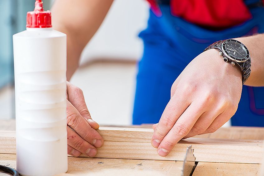 Best Adhesive for Felt and Wood