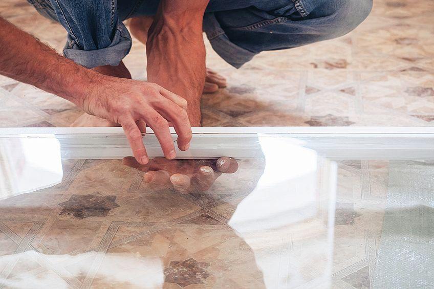 Glue Remover for Glass