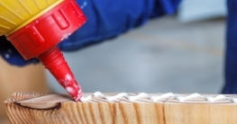 How to Glue Plastic to Wood